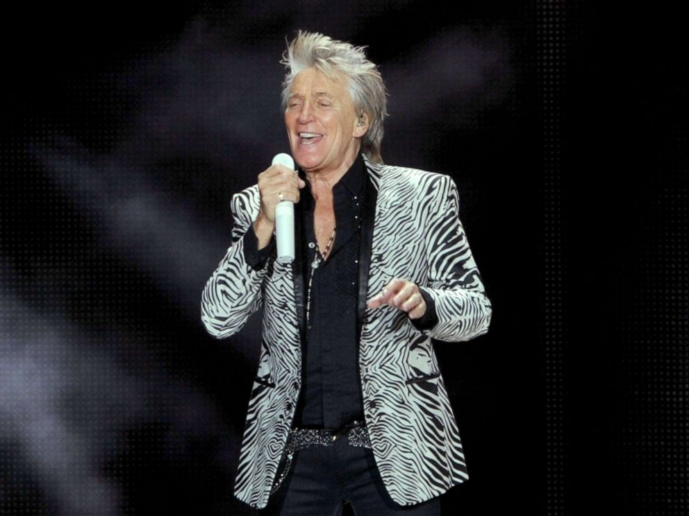 PHOTO: Rod Stewart performs at the Forum di Assago in Milan, Italy, Jan. 31, 2018.