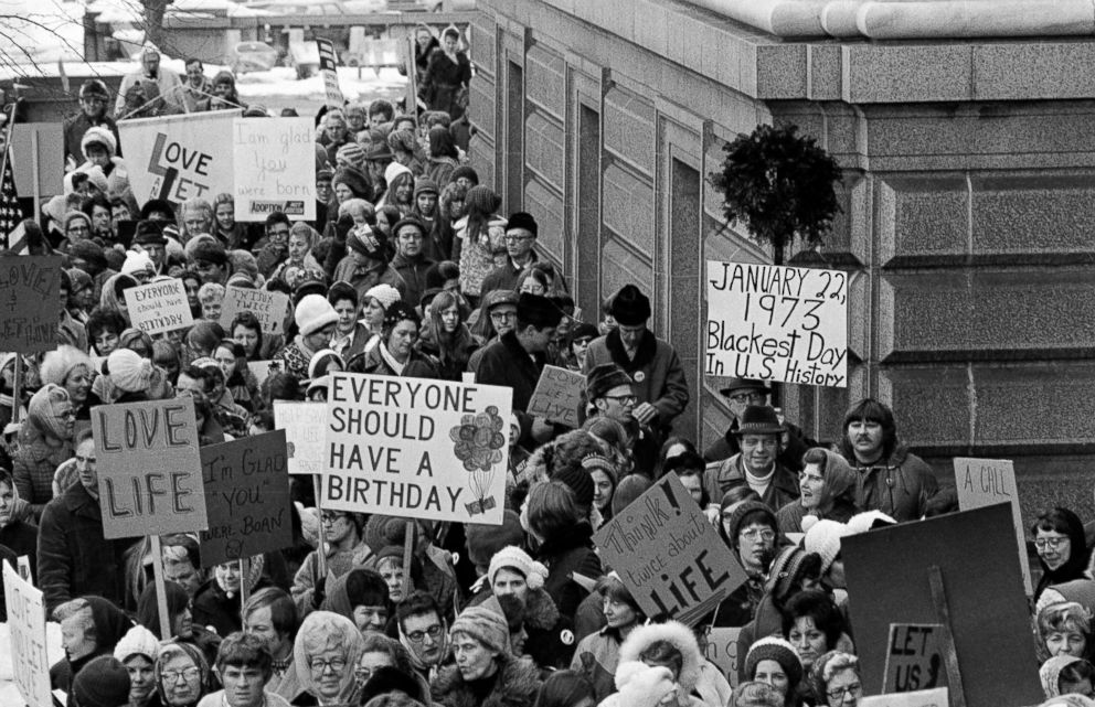 PHOTO: An estimated 5,000 people, women and men, march around the Minnesota Capitol building protesting the U.S. Supreme Courts Roe v. Wade decision, ruling against state laws that criminalize abortion, in St. Paul, Minn., Jan. 22, 1973.