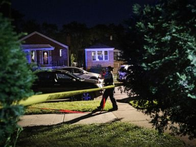 20-month-old boy, 10-year-old girl among 14 fatally shot over weekend in Chicago thumbnail