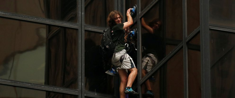 PHOTO: A man climbs the outside of Trump Tower in New York, Aug. 10, 2016.