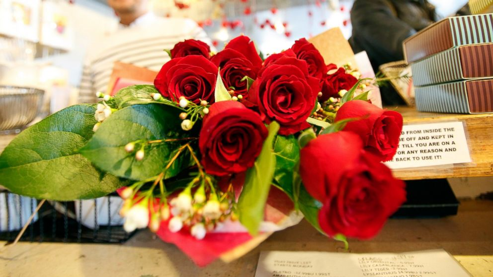 Valentine\'s Day by the numbers: See how much money is spent on ...