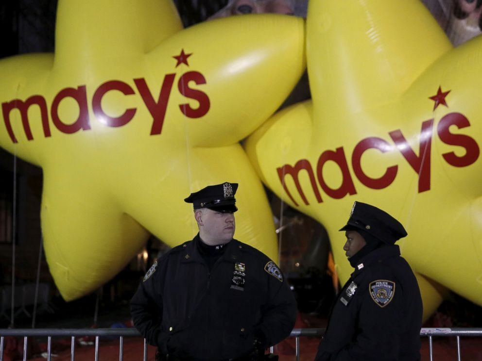 PHOTO: Members of the New York Police Department gather on the street before the 89th Macys Thanksgiving Day Parade in the Manhattan borough of New York, Nov. 26, 2015.