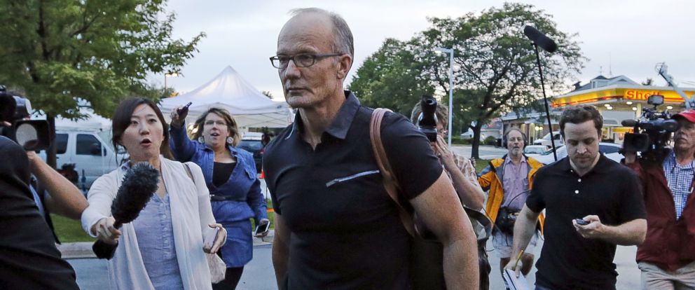 PHOTO: Walter Palmer arrives at the River Bluff Dental clinic in Bloomington, Minn., Sept. 8, 2015.