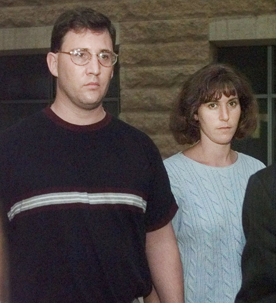 PHOTO: Steven and Marlene Aisenberg leave court in Greenbelt, Md., Sept. 9, 1999, after being indicted by a federal grand jury on charges of lying to investigators in the disappearance of their child Sabrina.