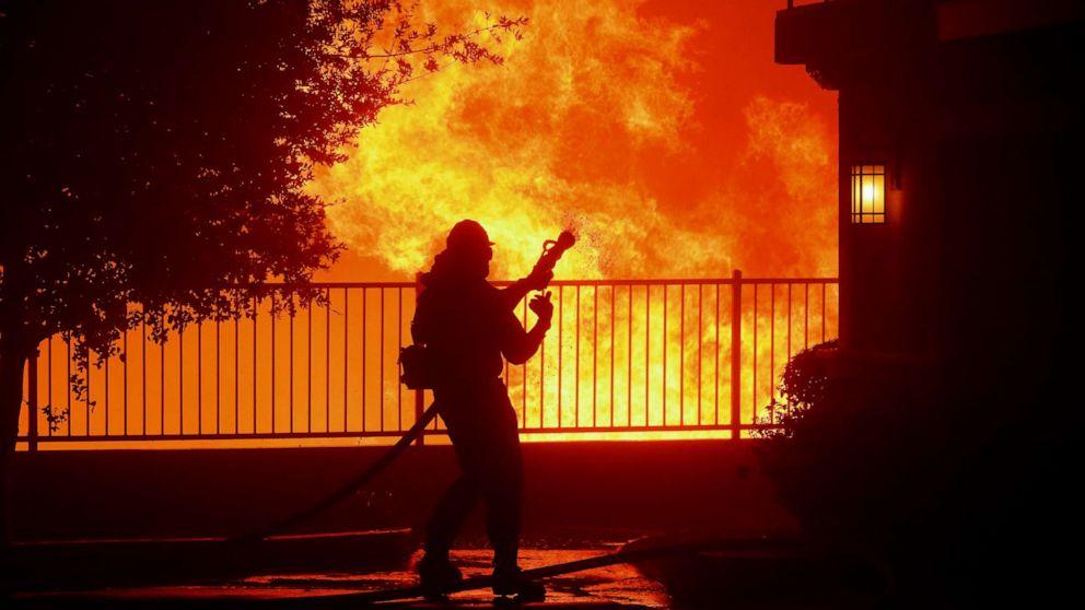Saddleridge fire calms down, heavy rains on East Coast thumbnail