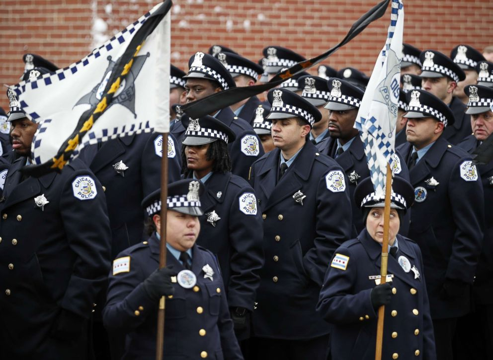 PHOTO: Hundreds of police officers attend the funeral for the Chicago Police Officer Samuel Jimenez at the Chapel of St Joseph at Shrine of Our Lady of Guadalupe on Nov. 26, 2018 in Des Plaines, Ill.