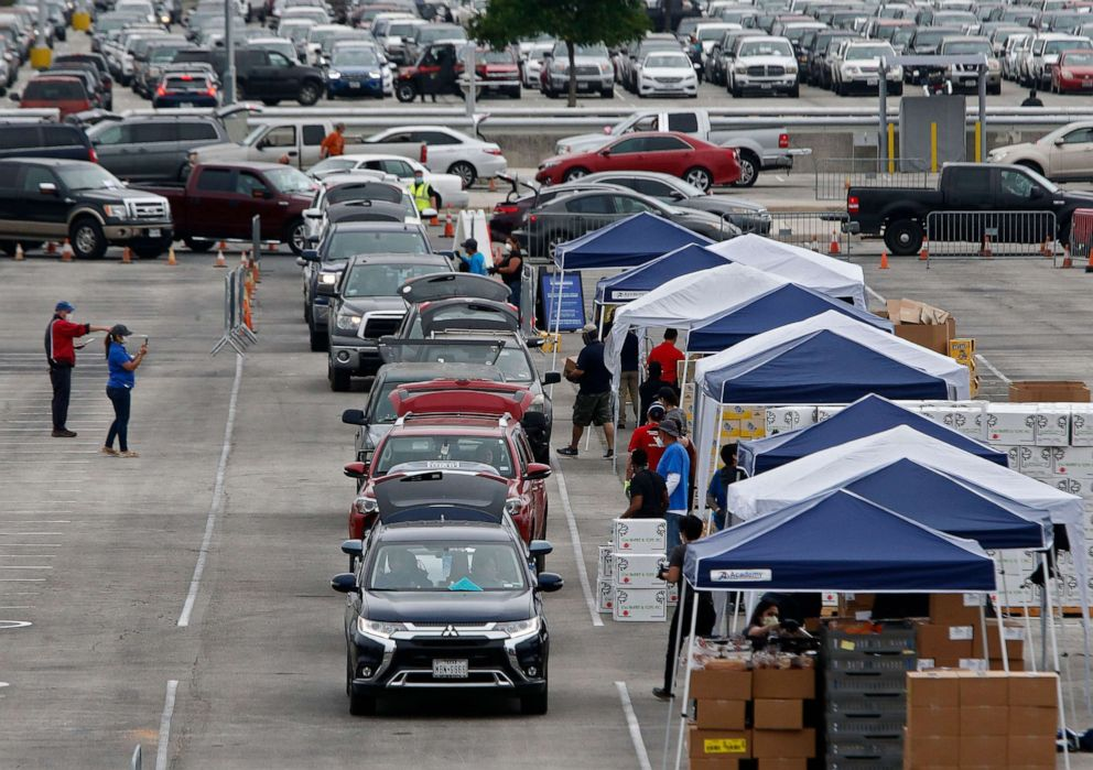 San Antonio drive-thru food bank gives groceries to thousands of ...