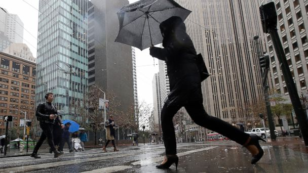 https://s.abcnews.com/images/US/san-fran-rain-ap-mo-20190116_hpMain_16x9_608.jpg
