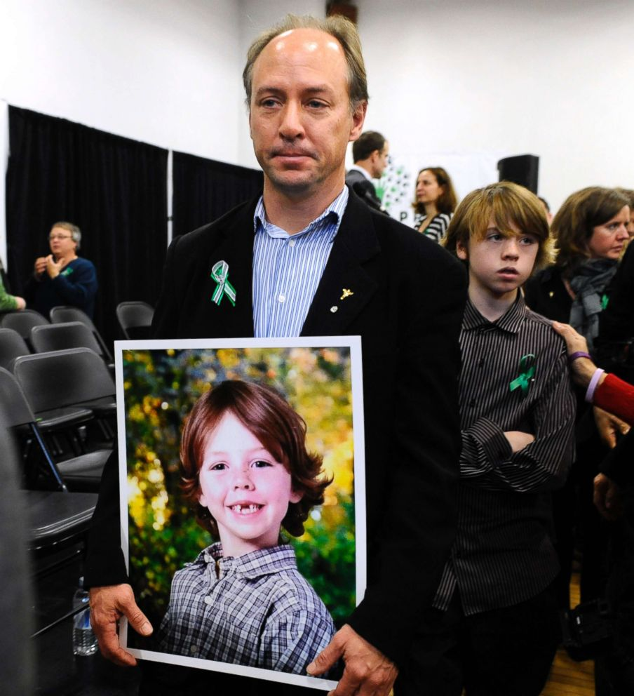 Remembering The Sandy Hook Elementary School Shooting