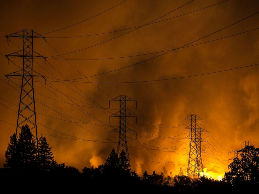 PHOTO: A firestorm that began in Napa Valleys Calistoga, roars down the hills from Fountaingrove and into the Coffey Park and Orchard Mobile Home Park neighborhoods, Oct. 9, 2017, in Santa Rosa, Calif.