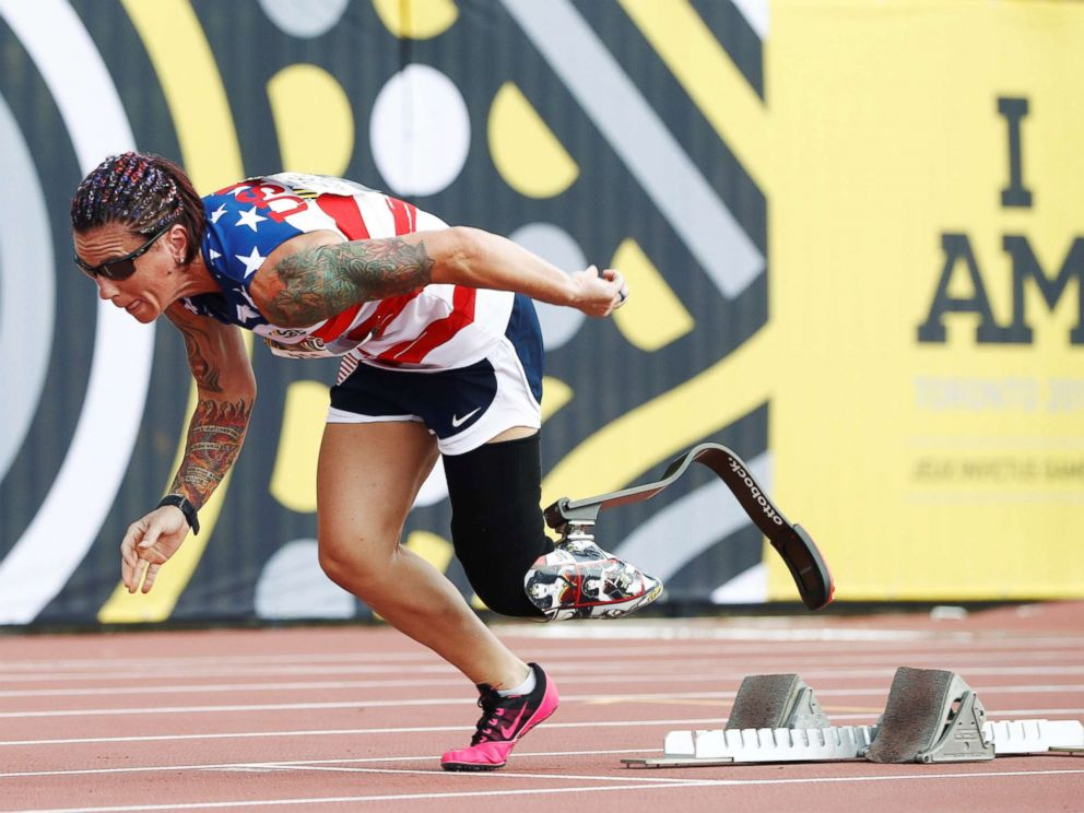 PHOTO: Sarah Rudder of the U.S. comes off the start blocks to win gold in the womens IT1/IT2/IT3 200m final during the athletics at the Invictus Games in Toronto, Sept. 24, 2017.