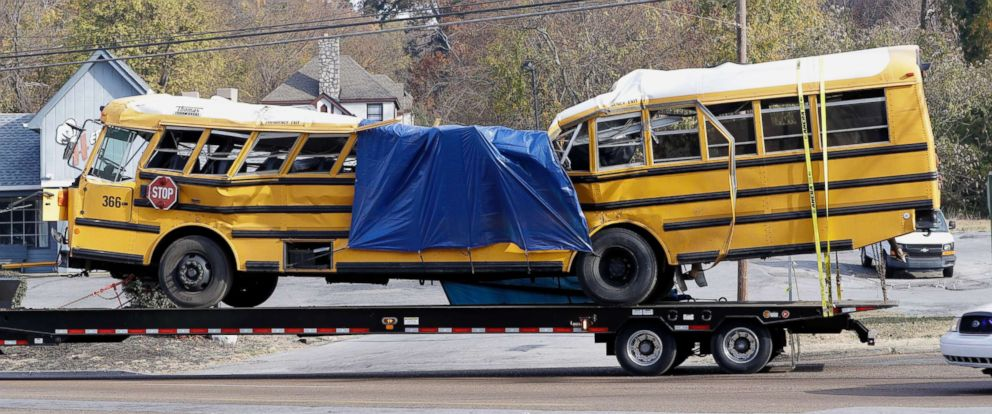 PHOTO: A school bus is carried away on a trailer after a deadly crash in Chattanooga, Tenn., Nov. 22, 2016.