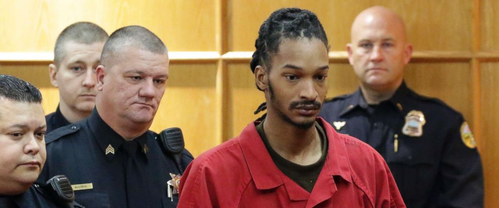 PHOTO: Johnthony Walker, the driver involved in a school bus crash resulting in six fatalities, appears in Hamilton County court, Tenn., Nov. 21, 2017.