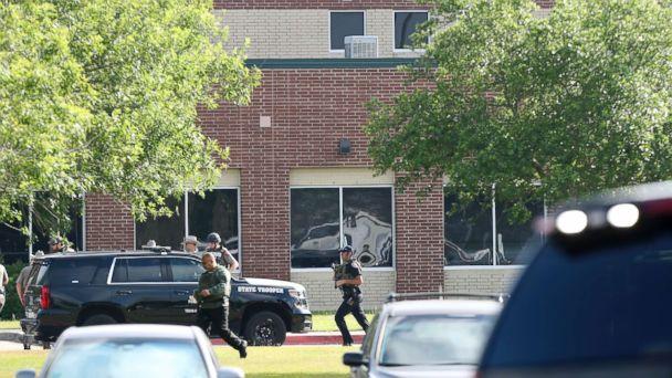 https://s.abcnews.com/images/US/school-shooting-texas5-ap-hb-180518_hpMain_16x9_608.jpg