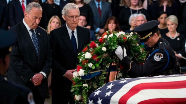 Leaders from both parties mourn McCain at Capitol
