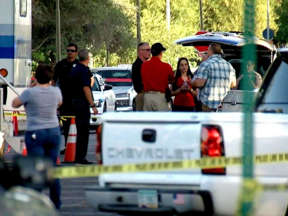 PHOTO: Law enforcement investigate a crime scene in Scottsdale, Ariz.