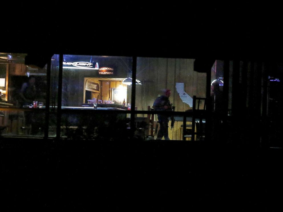 PHOTO: Police guard the site of a mass shooting at a bar in Thousand Oaks, Calif., U.S. Nov. 8, 2018.
