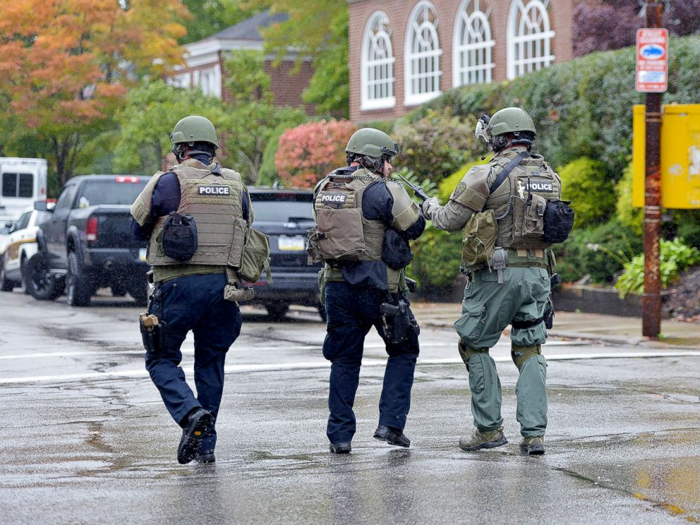 PHOTO: Police respond to an active shooter situation at the Tree of Life synagogue in Pittsburgh, Oct. 27, 2018.
