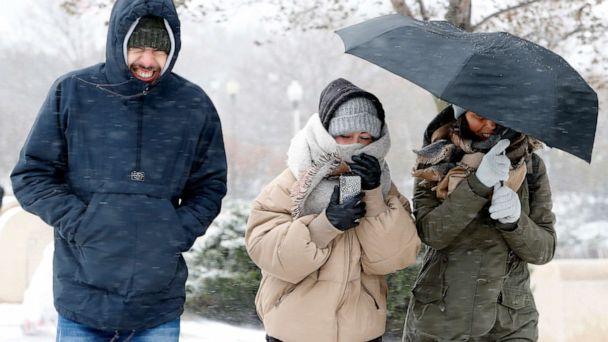 Temperatures plummet along East Coast as snow blankets Midwest