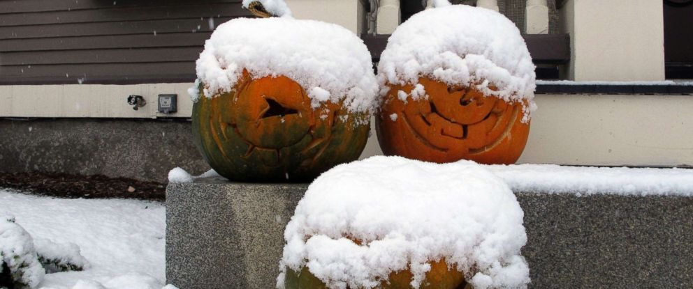 PHOTO: Jack-o-lanterns are covered in snow on the front stoop of a house in Montpelier, Vt., Nov. 13, 2018.