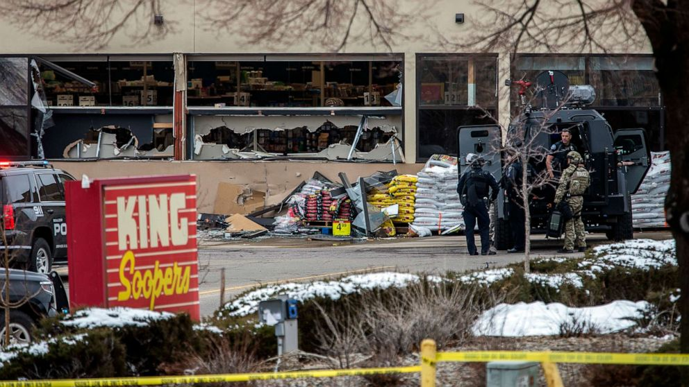 10 killed in supermarket shooting in Boulder, Colorado