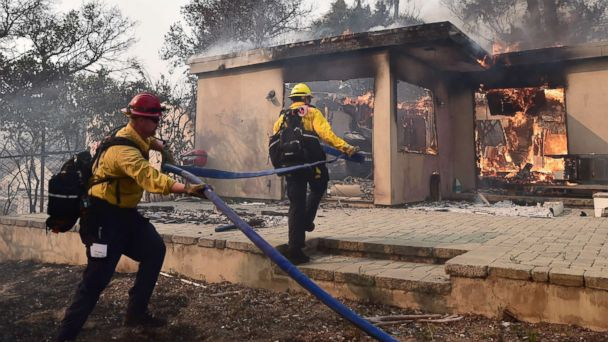 https://s.abcnews.com/images/US/southern-california-fire-03-malibu-gty-jc-181110_hpMain_16x9_608.jpg