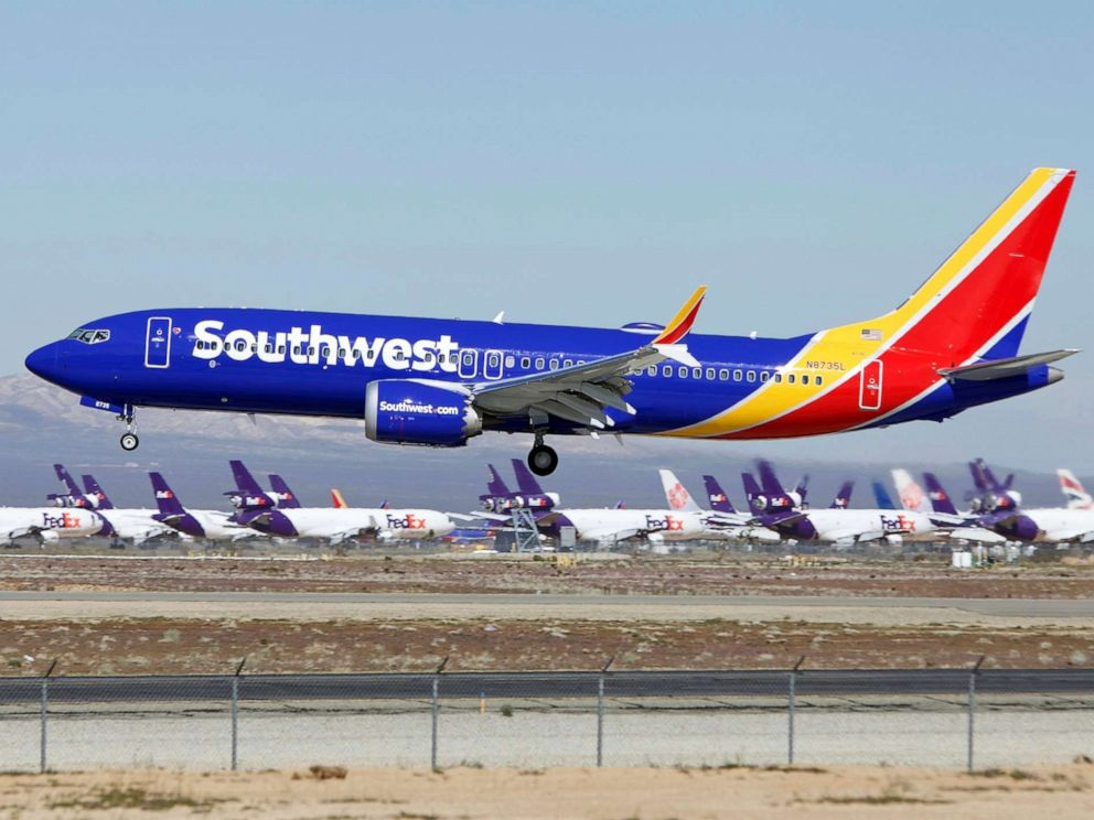 PHOTO: A Southwest Airlines Boeing 737 Max aircraft lands at the Southern California Logistics Airport in Victorville, Calif., March 23, 2019.