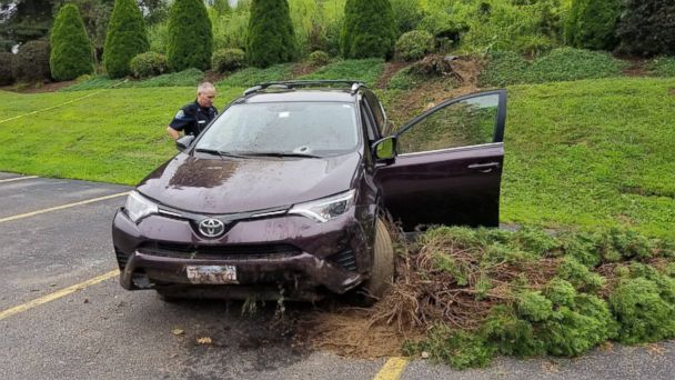 https://s.abcnews.com/images/US/spencer-police-crowbar-crash-ht-jt-180814_hpMain_16x9_608.jpg
