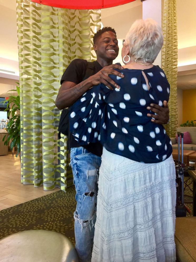 PHOTO: Spencer, 22, and Roz, 81, meet for the first time at the Hilton Garden Inn in Palm Beach, Fla., Dec. 1, 2017.