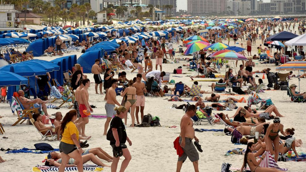 Colleges scrapping spring break amid travel concerns during coronavirus pandemic