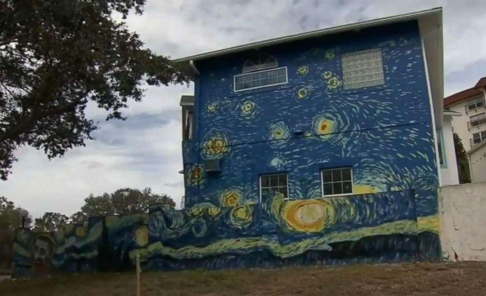 Florida Couple Fights City Hall Over Starry Night Paint Job Abc News