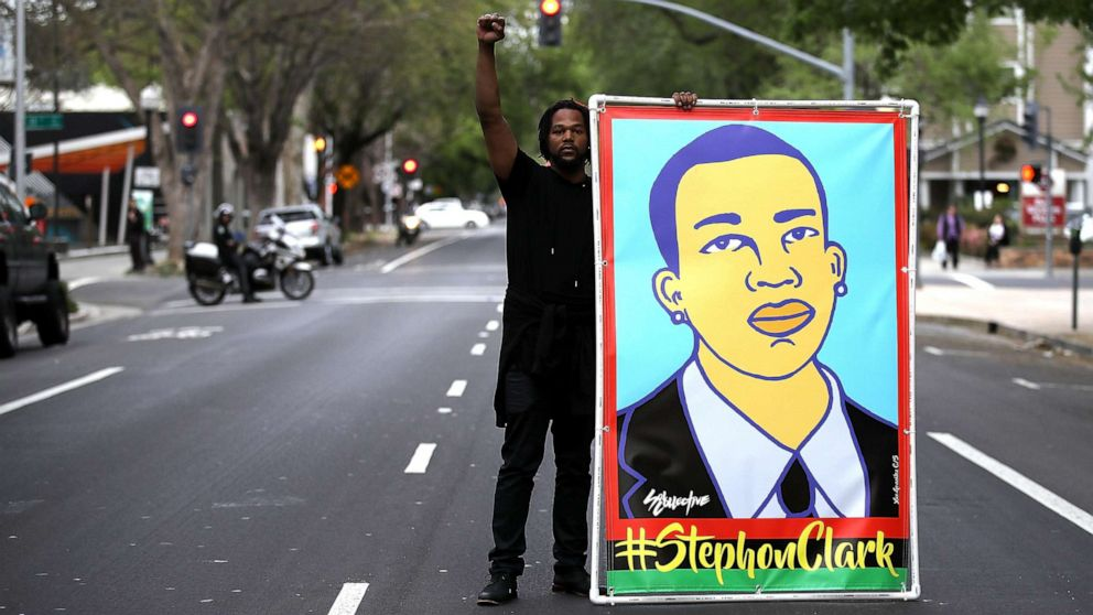 Officers who killed Stephon Clark would possibly per chance per chance presumably also now not face federal civil rights charges thumbnail
