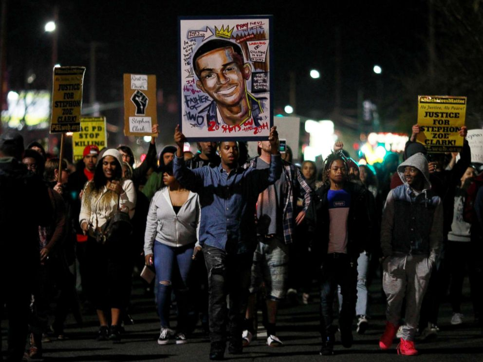 PHOTO: Demonstrators march to protest the police shooting of Stephon Clark, in Sacramento, Calif., March 23, 2018.
