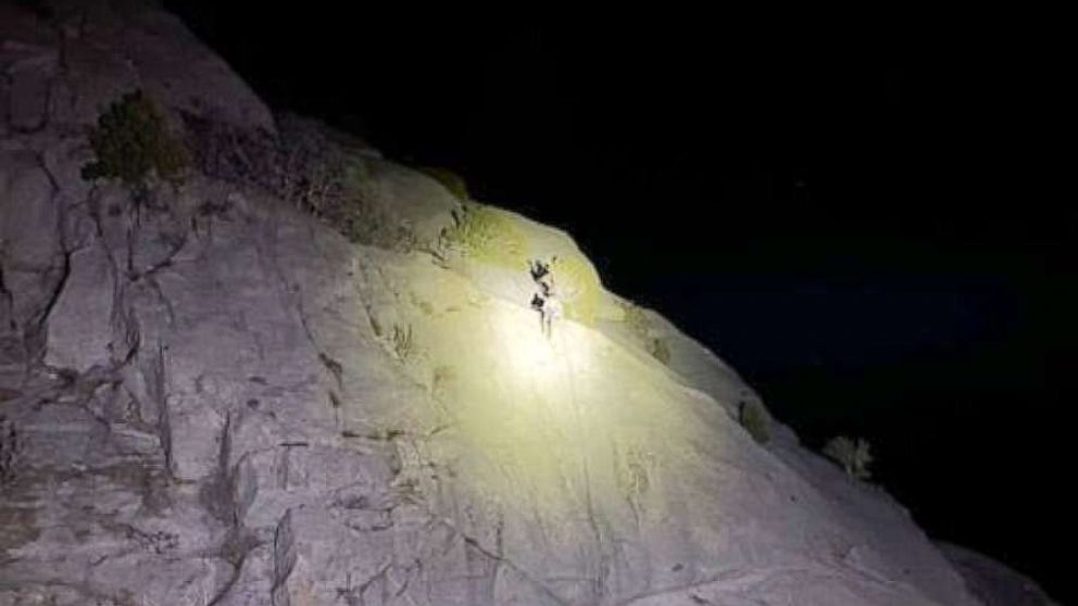 2 climbers rescued in a Utah canyon after being stranded for hours