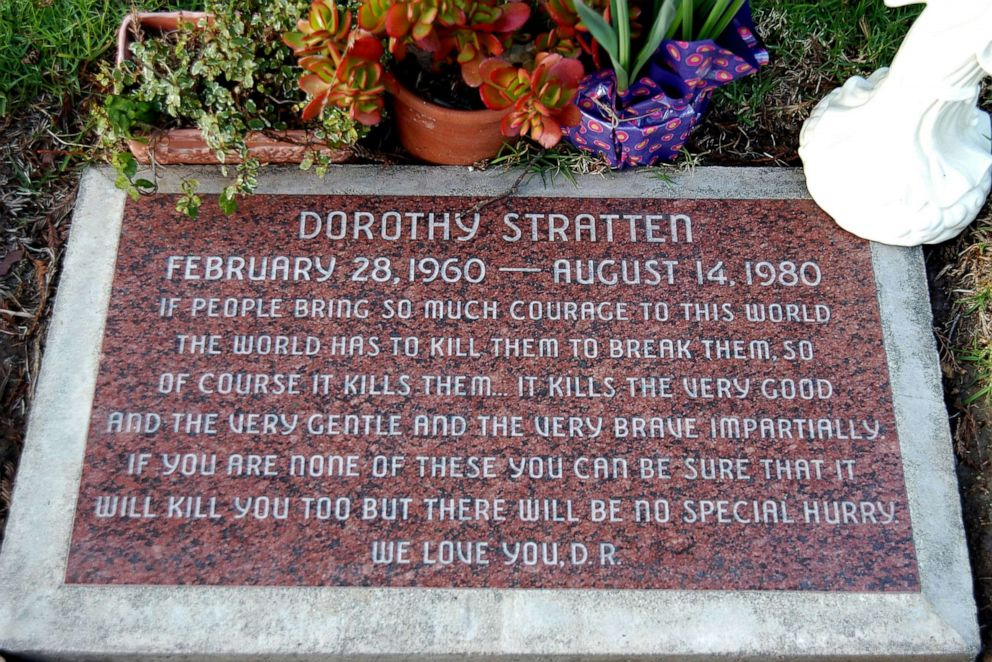 PHOTO: Dorothy Strattens grave in Westwood, Calif.