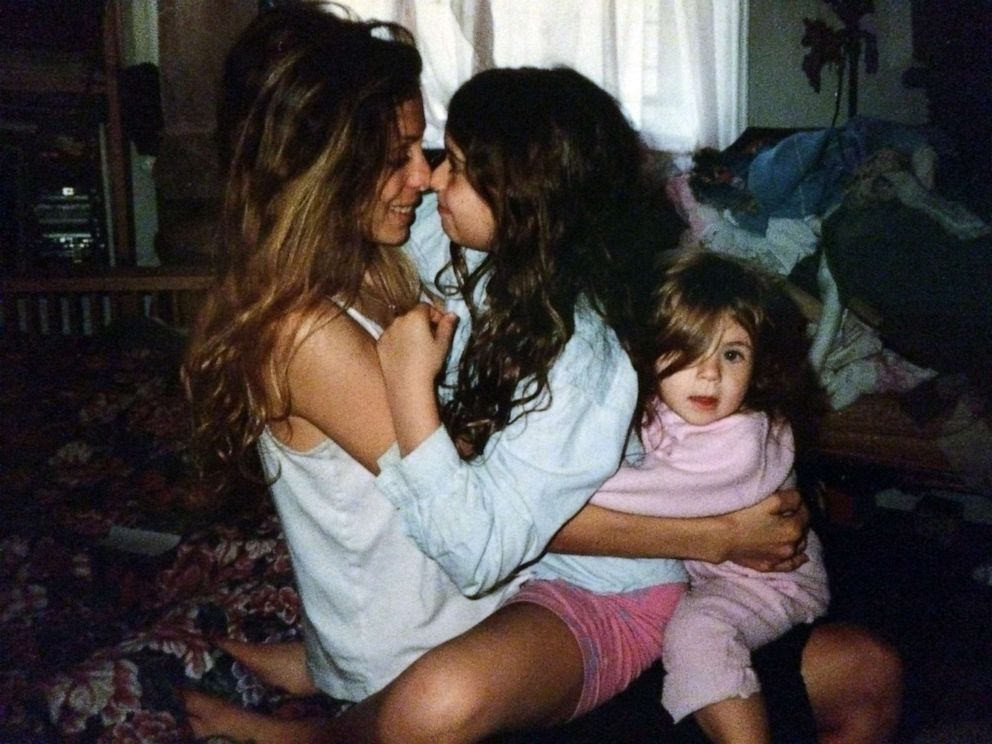 PHOTO: Wendy Oxenhorn is pictured with her daughters at home in the Harlem borough of New York in 2000.