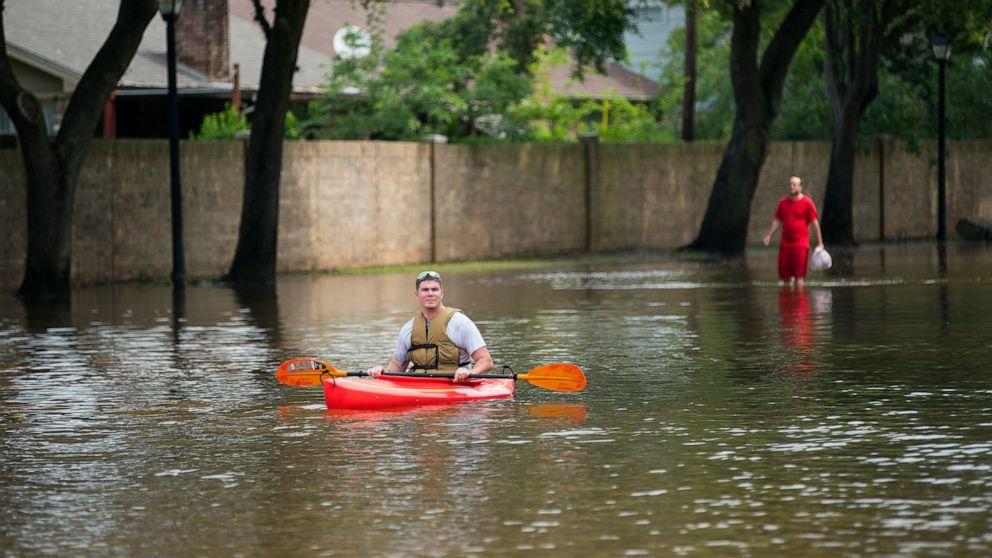 Flash flooding concerns grow in Texas, Louisiana as rainfall