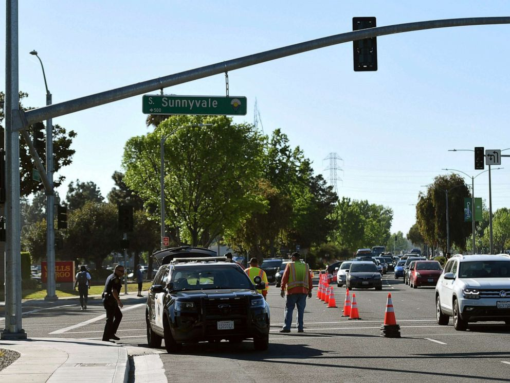 PHOTO: Police investigate the scene of car crash at the intersection of El Camino Real and Sunnyvale Road in Sunnyvale, Calif., April 24, 2019.
