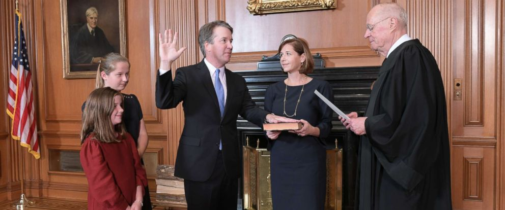 PHOTO: Retired Justice Anthony M. Kennedy, right, administers the Judicial Oath to Judge Brett Kavanaugh in the Justices Conference Room of the Supreme Court Building, Oct. 6, 2018.