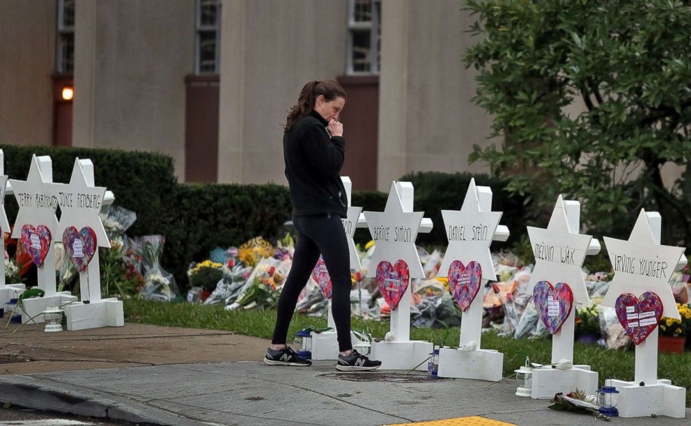 PHOTO: A woman reacts at a makeshift memorial outside the Tree of Life synagogue following Saturdays shooting at the synagogue in Pittsburgh, Oct. 29, 2018.