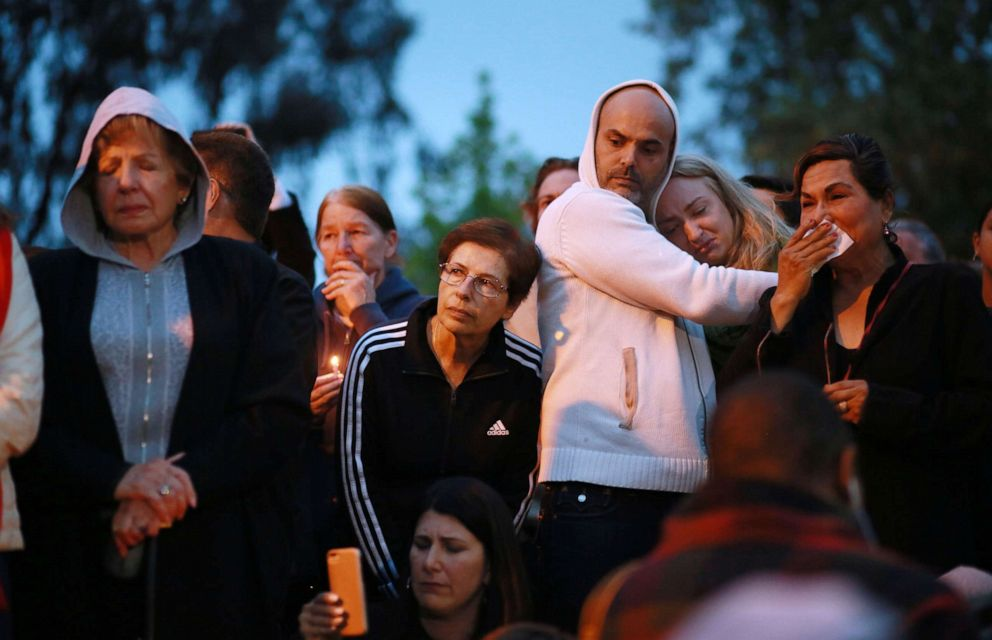 PHOTO: Community members and congregants attend a candlelight vigil for the victim of the Chabad of Poway Synagogue shooting, April 28, 2019 in Poway, Calif.