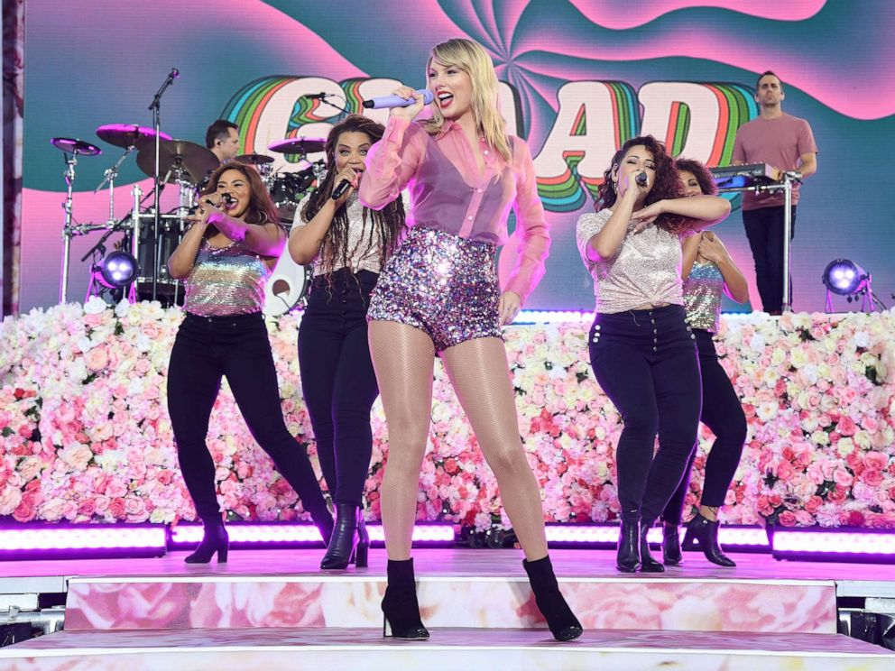 PHOTO: NEW YORK, NEW YORK - AUGUST 22: Taylor Swift performs on ABCs Good Morning America at SummerStage at Rumsey Playfield, Central Park on August 22, 2019 in New York City. (Photo by Kevin Mazur/Getty Images for ABA)