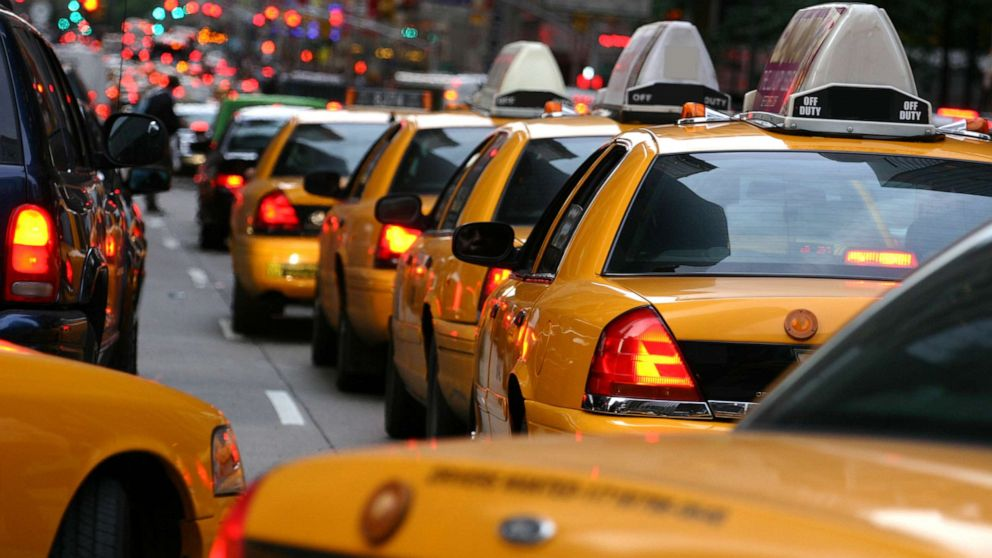 Struggling NYC cabs may add surge pricing to compete with Uber and Lyft thumbnail