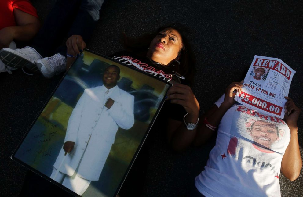 PHOTO: Pam Bosley holds a photo of her son Terrell Bosley who was killed in Chicago during a protest, Aug. 31, 2016 in Chicago.