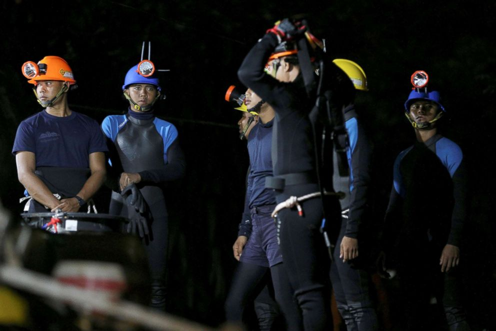 PHOTO: Thai divers gather before they enter to the Tham Luang cave, where 12 boys and their soccer coach are trapped, in the northern province of Chiang Rai, Thailand, July 6, 2018.