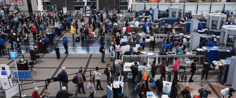 PHOTO: Holiday travelers are pictured at Denver international airport on Nov. 22, 2016.