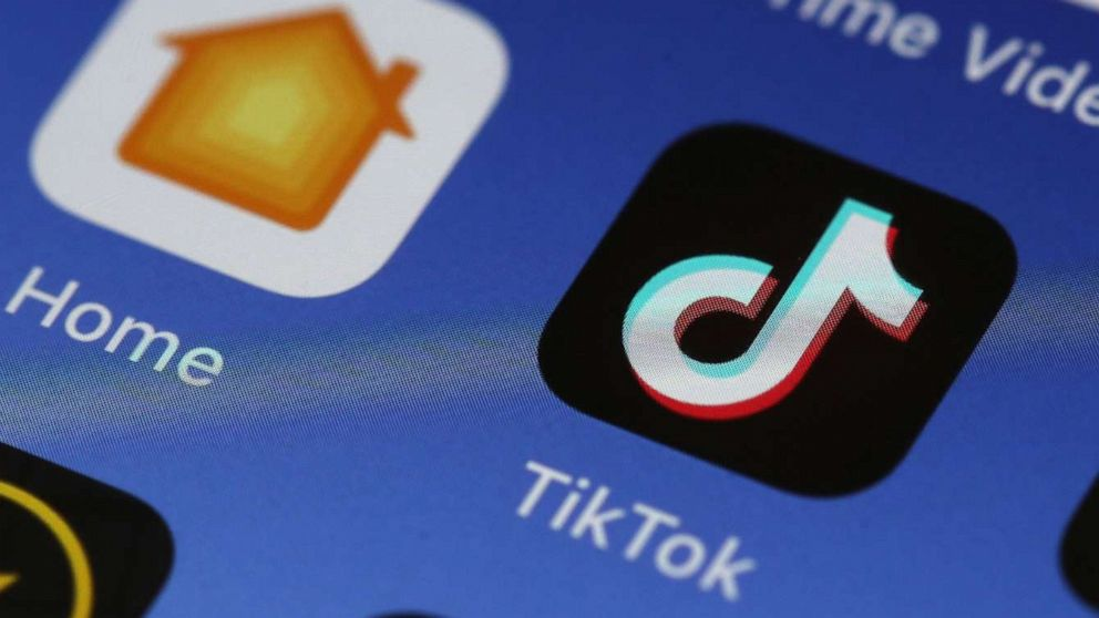 "Authorities warn about dangerous TikTok ""outlet"" challenge thumbnail"