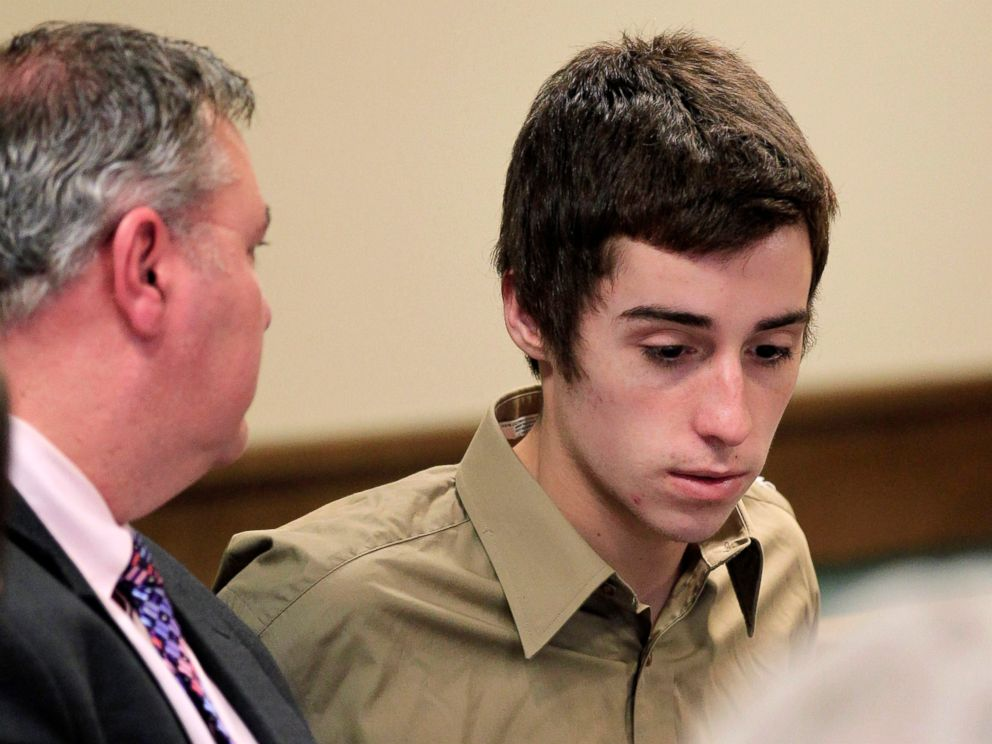 PHOTO: T.J. Lane, right, listens to his attorney during court proceedings in Juvenile Court, March 6, 2012, in Chardon, Ohio.