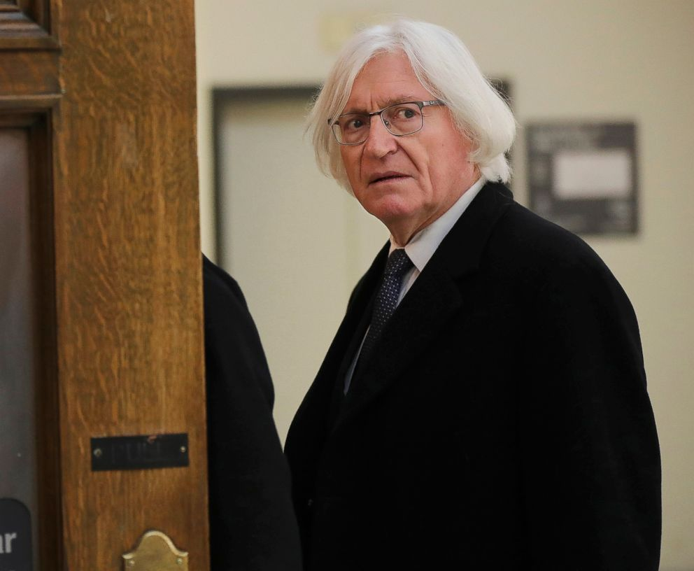 PHOTO: Tom Mesereau, Bill Cosbys lawyer, arrives for Cosbys sexual assault retrial at the Montgomery County Courthouse in Norristown, Pa., on April 10, 2018.
