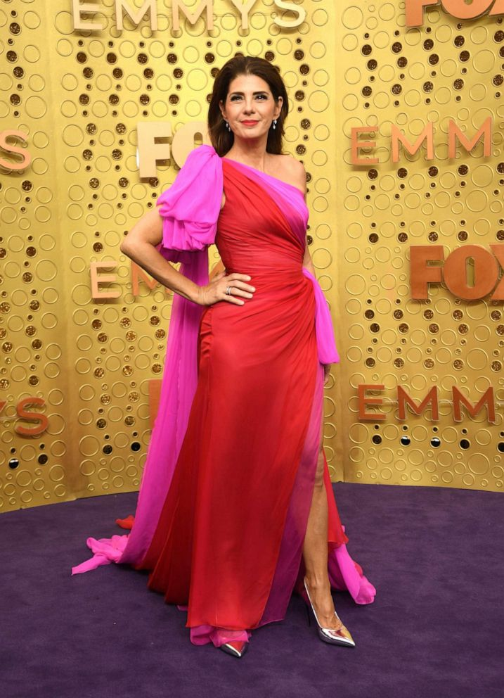 Pink and red dresses won the 2019 Emmys purple carpet ...